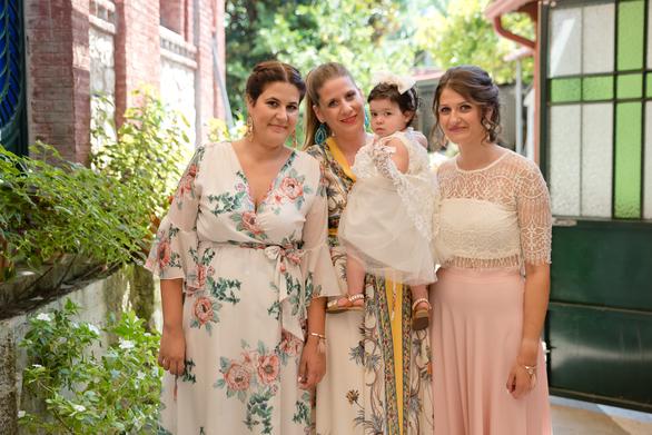 Πάτρα: Αγγελική & Γιώργος Τηλιγάδης - Βάπτισαν την πριγκίπισσά τους! (φωτο)