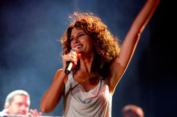Με τραγούδια της ζωής της... η Ελευθερία Αρβανιτάκη στην Πάτρα!