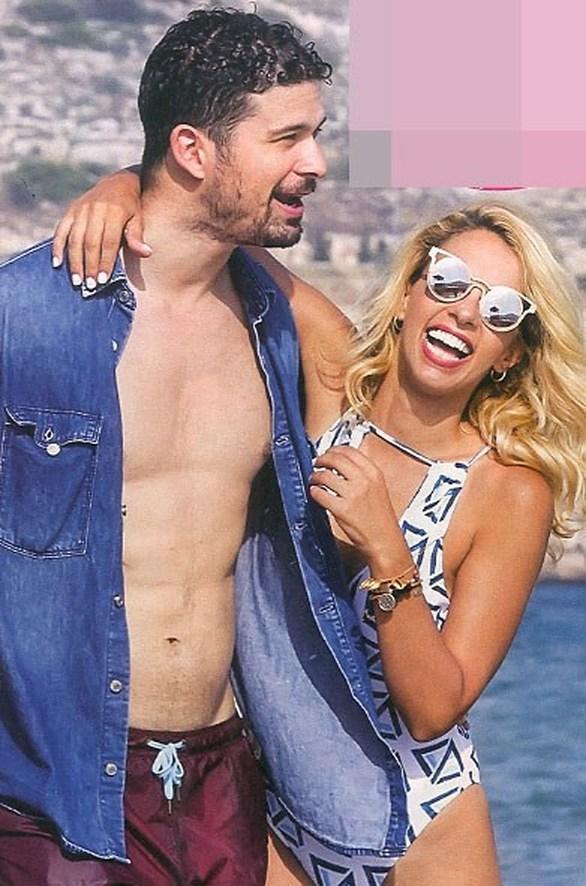 Τζένη Μελιτά - Με τον αγαπημένο της στη θάλασσα (φωτο)