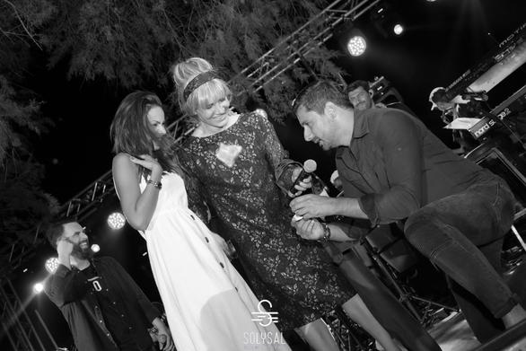 Πρόταση γάμου στο live της Νατάσας Θεοδωρίδου στη Χιλιαδού (φωτο+video)