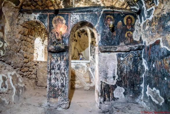 Ένα μέρος στις πλαγιές του Παναχαϊκού για ασκητισμό και προσευχή (pics)