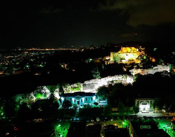 Το Κάστρο της Πάτρας φωτισμένο από ψηλά!