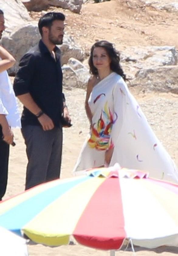 Γιάννης Τσιμιτσέλης - Κατερίνα Γερονικολού: Αγκαλιασμένοι στην παραλία! (φωτο)