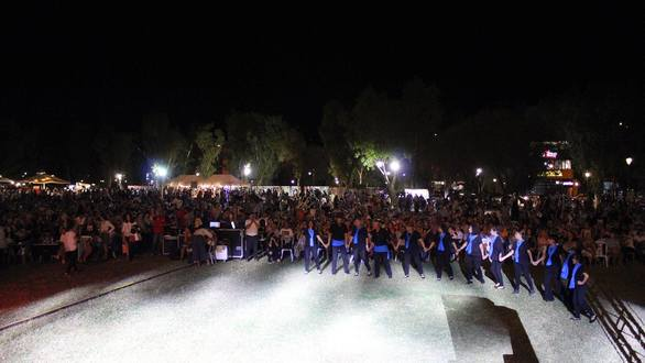 Πλήθος κόσμου στο φεστιβάλ της ΚΝΕ στο Νότιο Πάρκο της Πάτρας (pics)