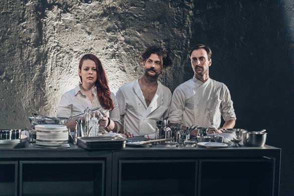"""""""Η Κουζίνα"""" στο θέατρο Αποθήκη"""