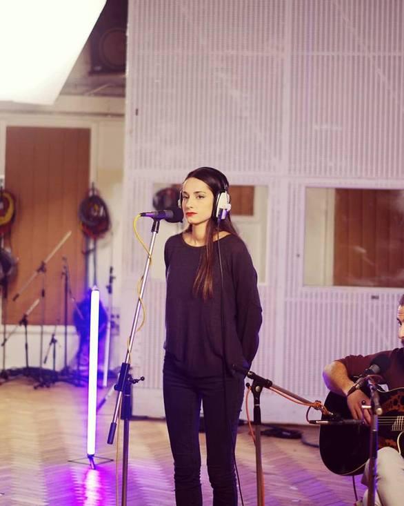 Η Πατρινή που τραγούδησε στο studio που έγραψαν μουσική οι Beatles