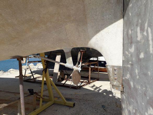 """Αγγίζοντας τα """"πληγωμένα"""" σκαριά στο Καρνάγιο της Πάτρας (pics)"""