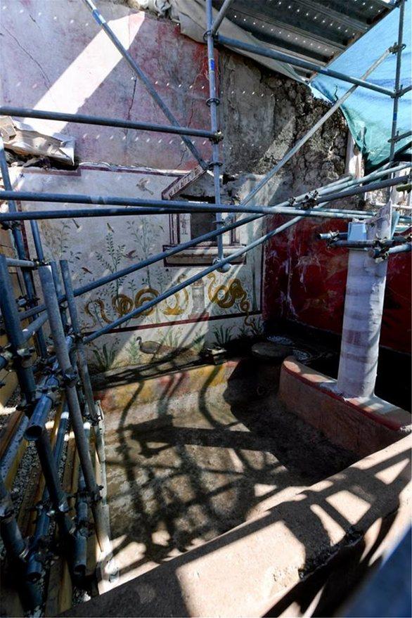 Νέα ευρήματα και τοιχογραφίες στις ανασκαφές στη Πομπηία (pics)