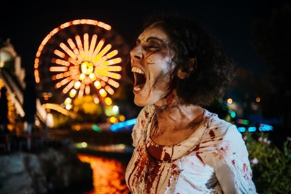 To Allou! Fun Park γέμισε Zombies (φωτο+video)