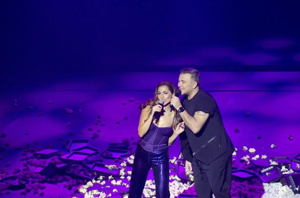 Αντώνης Ρέμος - Δέσποινα Βανδή: Εντυπωσιακή πρεμιέρα στο «Αθηνών Αρένα»! (pics)