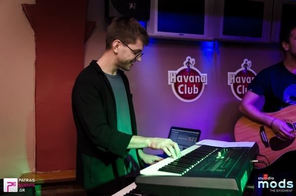 Τα μπαράκια με live μουσική ήταν, είναι & θα είναι ψηλά στις προτιμήσεις όλων!