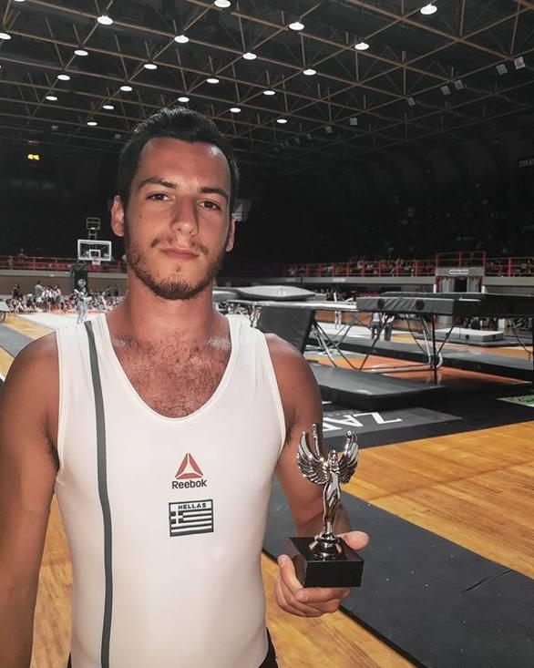 Βασίλης Κόλλιας - Ο Πατρινός γυμναστής που έχει μάθει να ξεπερνάει πάντα τα όρια του (pics+video)