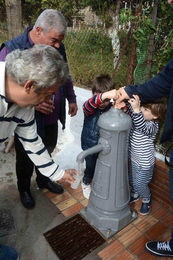 Πάτρα - Παραδόθηκε σε λειτουργία, διατηρητέα βρύση στη συνοικία της Αγίας Αικατερίνης (φωτο)