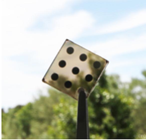 Μια φωτοβολταϊκή κυψέλη που αναπτύχθηκε στο ICFO και η οποία βασίζεται σε νανοκρυστάλλους αποτελούμενους από φιλικά στο περιβάλλον στοιχεία που θα μπορούσαν να χρησιμοποιηθούν σε παράθυρα κτιρίων για παράγωγη ενεργείας (Image credit: ICFO)