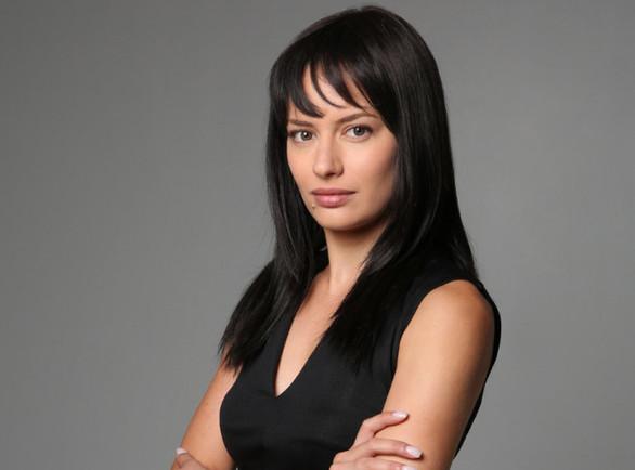 Ντόρα Μακρυγιάννη - Η ηθοποιός από το Αίγιο που απολαμβάνουμε σε καθημερινή σειρά του ΑΝΤ1!
