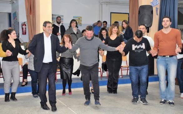 Πάτρα: Ο Κώστας Πελετίδης έδωσε το παρόν σε εκδήλωση του χορευτικού του Δήμου (φωτο)