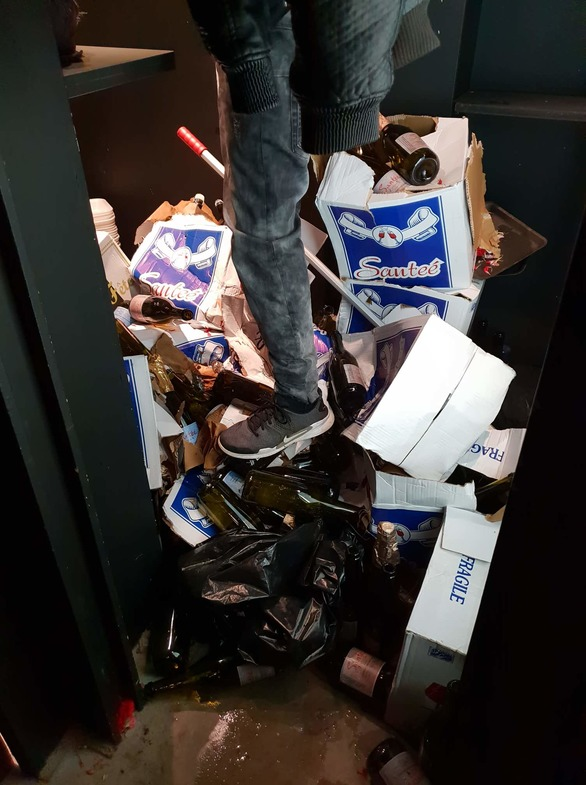 Club 66 - Τα μπουζούκια της Πάτρας που κάνουν... ζημιές!