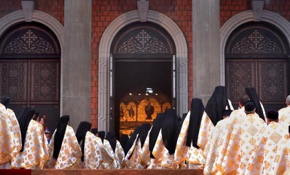 Με μεγαλοπρέπεια και λαμπρότητα τα εγκαίνια του Πατριαρχικού ναού στο Βουκουρέστι (pics)