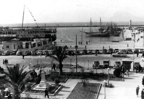 "H πλατεία Τριών Συμμάχων και ο Μόλος ""επιστρέφουν"" στο 1950"