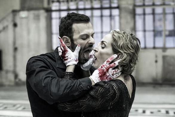 """Διθύραμβοι για τον Πατρινό ηθοποιό Γιώργο Παπαπαύλου στο """"Κοριολάνος- Ιούλιος Καίσαρας"""""""