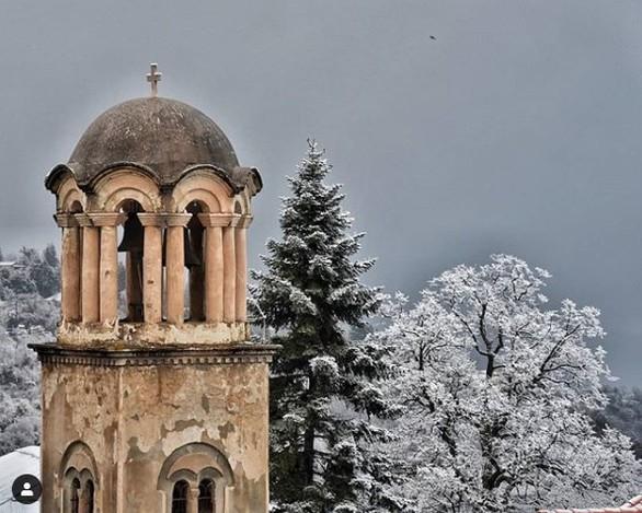 """Τρίκαλα Κορινθίας - Το μαγικό χωριό που περιμένει το 2019 στα """"λευκά"""""""