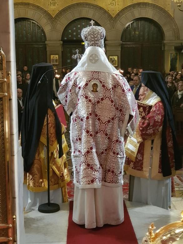 Τρισαρχιερατική Θεία Λειτουργία στο Παρίσι (φωτο)