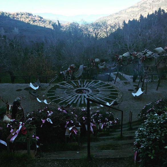 Ένα πάρκο μέσα στο δάσος στο χωριό Συνεβρό (φωτο)