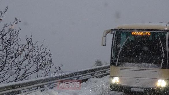 """Ο χιονιάς """"τύλιξε"""" τα Καλάβρυτα (φωτο)"""