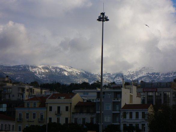 Χιόνια παντού γύρω από την Πάτρα (φωτο)