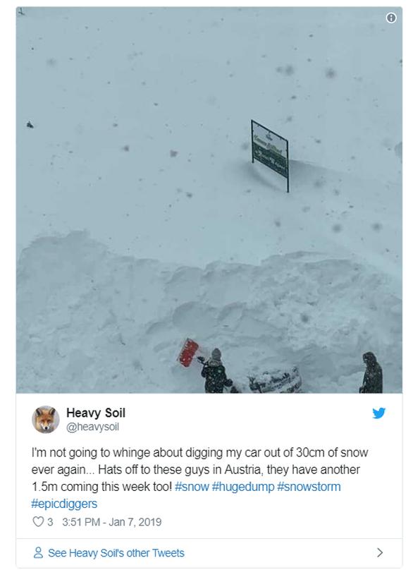 """""""Θαμμένες"""" στο χιόνι Γερμανία και Αυστρία (pics)"""