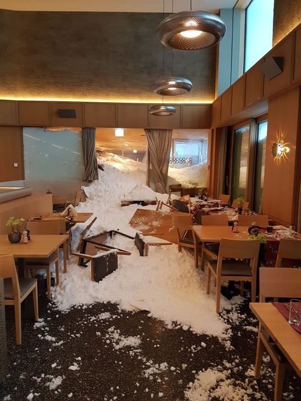 Ελβετία: Χιονοστιβάδα «μπούκαρε» στο εσωτερικό εστιατορίου