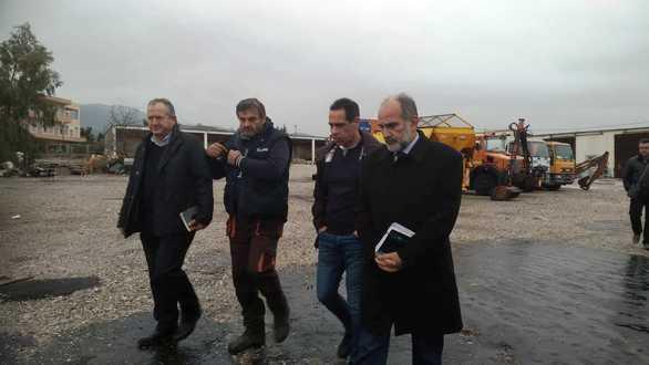 Ο Απόστολος Κατσιφάρας στους εργαζόμενους της πολιτικής προστασίας (pics+video)