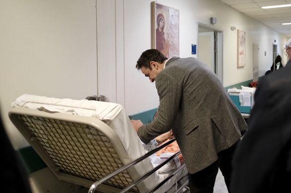 Ο Κυριάκος Μητσοτάκης επισκέφθηκε το Αττικό Νοσοκομείο (φωτο)