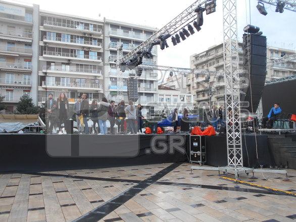 Πάτρα: Τελευταίες πρόβες στην πλατεία Γεωργίου - Ο μεγάλος φόβος των διοργανωτών (pics)