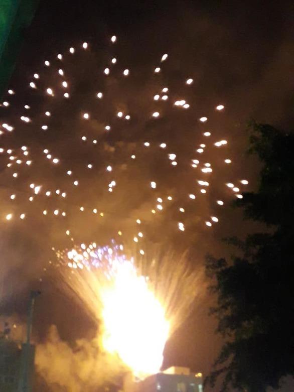 Το Πατρινό Καρναβάλι είναι παντός καιρού - Λάμψη πυροτεχνημάτων στην τελετή έναρξης