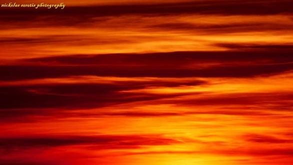 """Όταν το ηλιοβασίλεμα της Πάτρας γίνεται """"ηφαίστειο"""" (pics)"""
