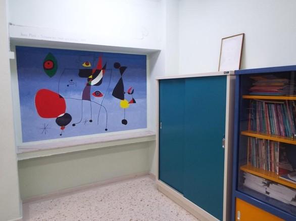 Γεμάτο από αντίγραφα πινάκων διάσημων καλλιτεχνών το 6ο Γυμνάσιο Τρικάλων