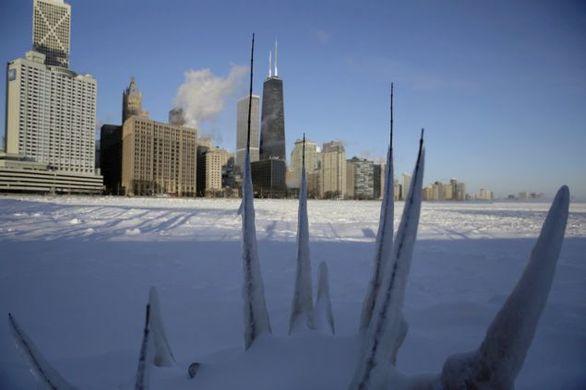 Παγωμένη πολιτεία το Σικάγο στους -50 (φωτο+video)