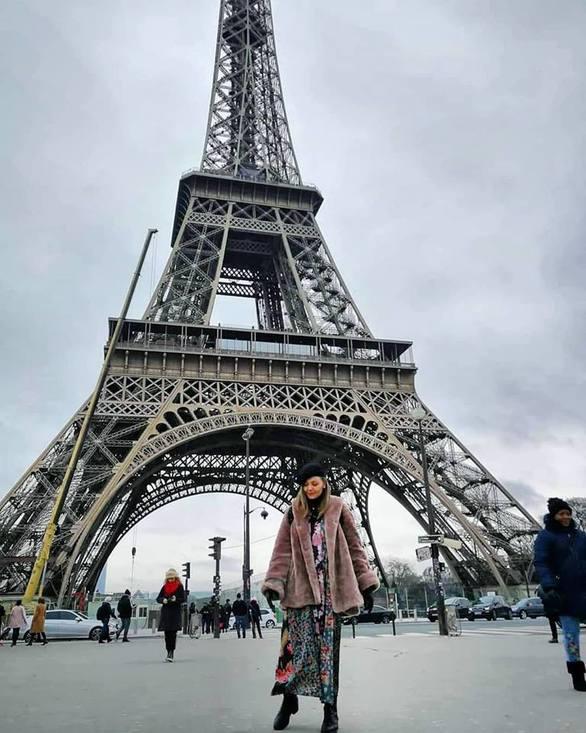 Από τον Πύργο του Άιφελ, στις Βρυξέλλες για live η Γιούλη Ασημακοπούλου! (pics)