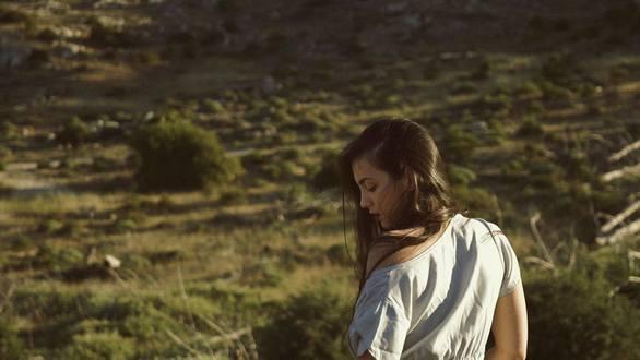 Γεωργία Καλογεράτου - Η 25χρονη Πατρινή που μετέφερε τις Βάκχες σε... καμπαρέ! (pics)