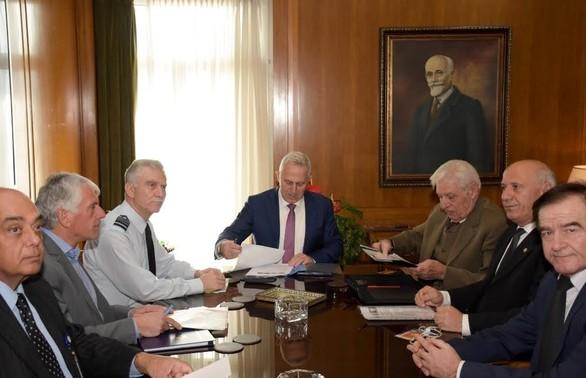 Ο Ευάγγελος Αποστολάκης συναντήθηκε με αντιπροσωπείες ενώσεων αποστράτων