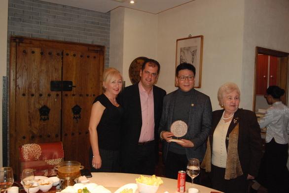 """Η Στέγη Καλαβρυτινών και Φίλων Πάτρας""""Αγία Λαύρα"""" βρέθηκε στο Πεκίνο (φωτο)"""