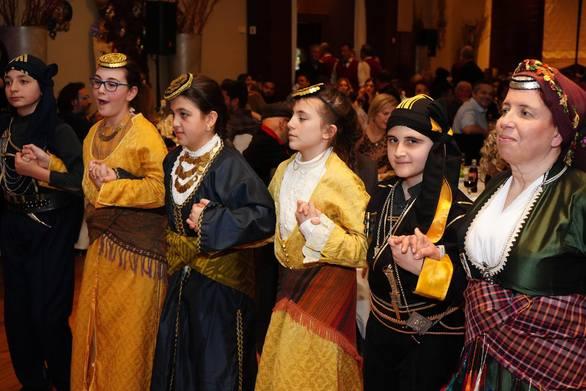 Με μεγάλη επιτυχία πραγματοποιήθηκε ο ετήσιος χορός των Ποντίων της Πάτρας (φωτο)