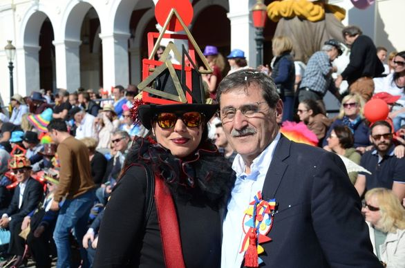 Χορεύει καρναβαλικά όλη η Πάτρα (φωτο)
