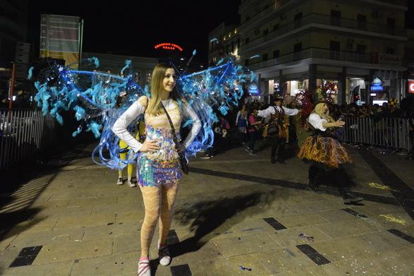 50+1 μαγικές εικόνες από τη νυχτερινή ποδαράτη του Πατρινού Καρναβαλιού 2019!
