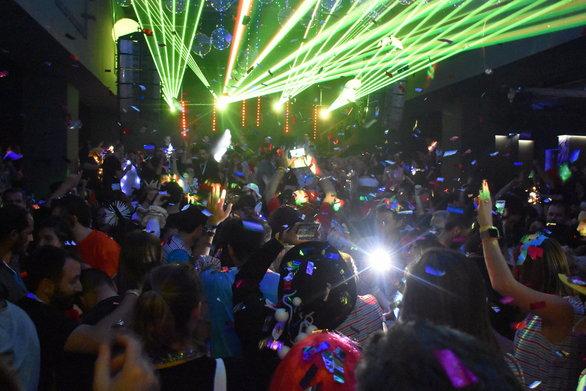 Το πάρτι των καρναβαλικών πληρωμάτων ήταν και φέτος όλα τα λεφτά (pics+vids)
