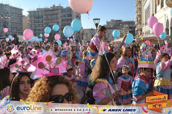 69 ξεχωριστές φωτογραφίες για να μπείτε και πάλι στο κλίμα της Κυριακάτικης παρέλασης!