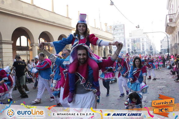 Ένας παραμυθένιος μαγικός κόσμος πέρασε μπροστά μας στο Πατρινό Καρναβάλι (pics)