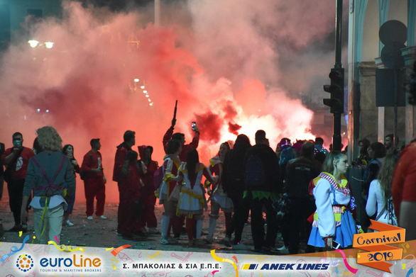 Οι La Casa De Patrel έκαναν τον χαμό στην παρέλαση και ξεσήκωσαν την Πάτρα (pics+vids)