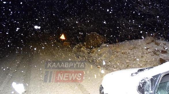 Αχαΐα: Άνοιξη με χιόνια στα Καλάβρυτα (φωτο)